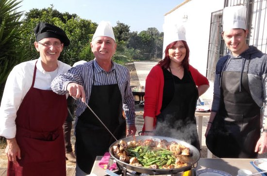 Paella Cooking Class and Private Tour