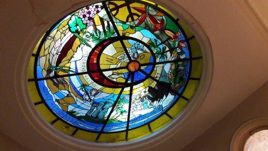Mito Casa Hotel: vitral de la escalera