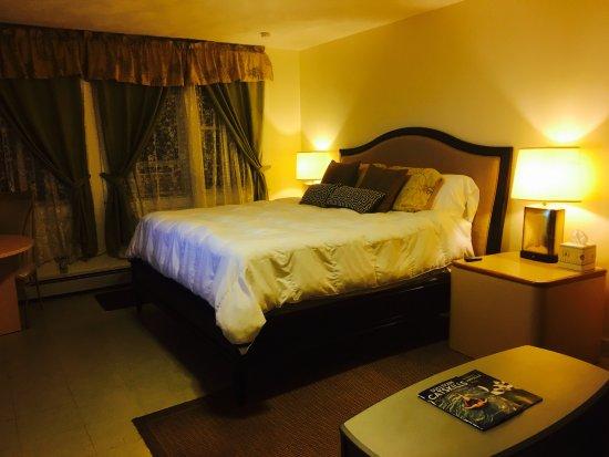 Kenoza Lake, نيويورك: Our King Sized Bedroom #5