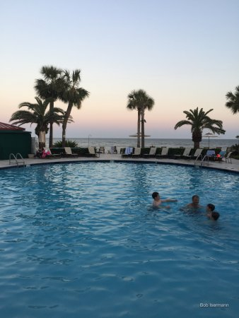 The King and Prince Beach and Golf Resort : Here is the picture of one of three pools. The ocean is in the background.