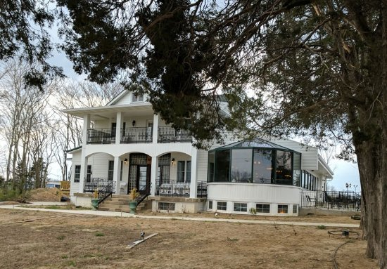 Hillsboro, MO: Russell House view from road. Still working on landscaping.
