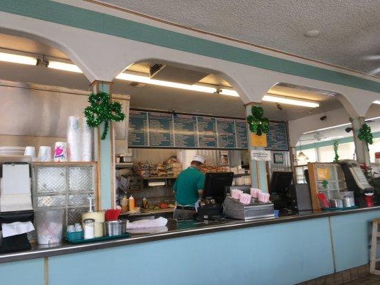 Bellflower, كاليفورنيا: Kitchen-staff