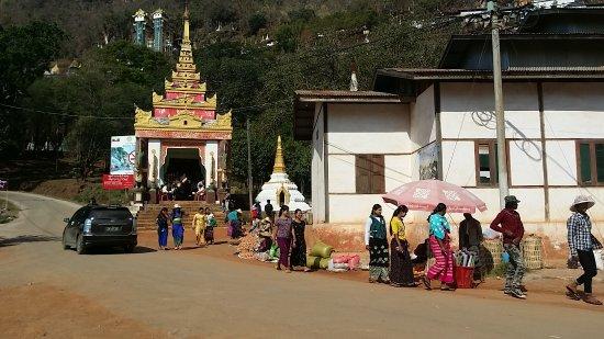 Pindaya, Birma: 20170308_211350_large.jpg