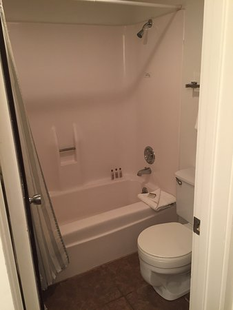 Aspenwood: Three quarter length bath, shower over bath, toilet