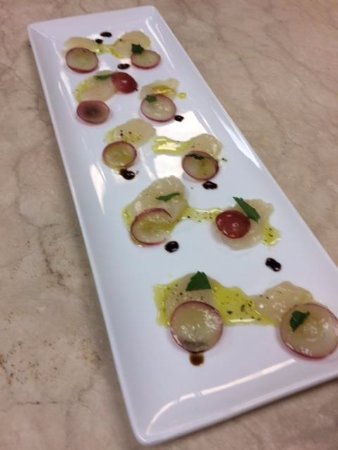 Boerne, TX: Scallop and Reg Grape Carpaccio with EVOO form Crte and 25 year aged Balsamico
