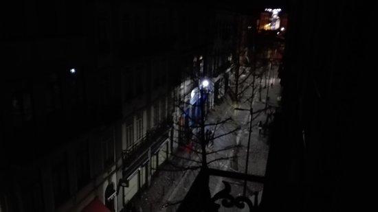 Porto Downtown Hostel: TA_IMG_20170325_044512_large.jpg