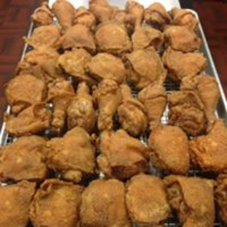 Malvern, AR: Voted the Top Fried Chicken in the state of ARKANSAS - The Cotton Boll Restaurant!