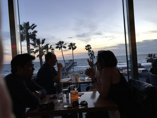 Manhattan Beach, Kaliforniya: The food is fantastic as well as the ambience.