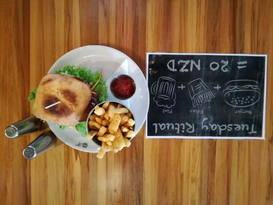 Twizel, New Zealand: Beef burger promo