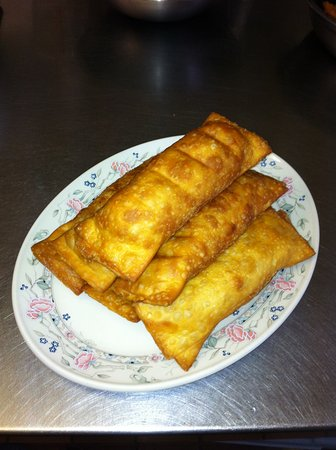 Smiths Falls, Kanada: Our jumbo sized egg rolls!