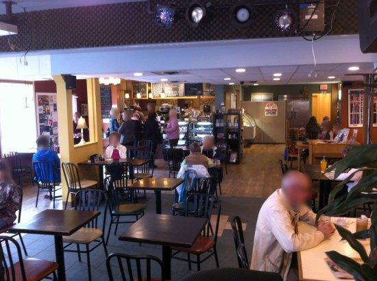 Эбботсфорд, Канада: Gets busier at lunch time