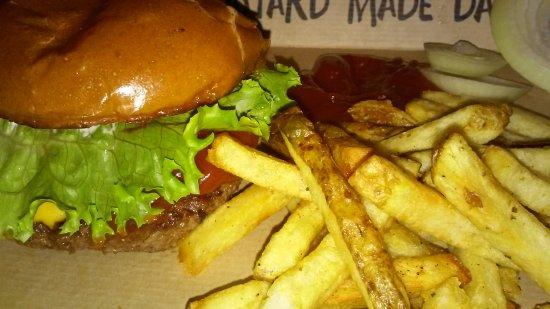 Lewisville, TX: Cheeseburger, Fries
