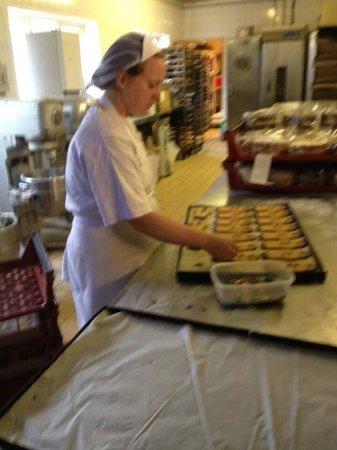 Bidford-on-Avon, UK: Victoria finishing Gingerbread People
