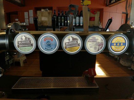 Twizel, Nueva Zelanda: Tap beers!