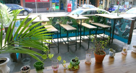 Windsor, Australien: Covered outdoor Chapel Street and Courtyard seating