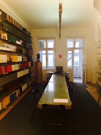 Photo of Museum Sigmund Freud Museum at Berggasse 19, Vienna 1090, Austria