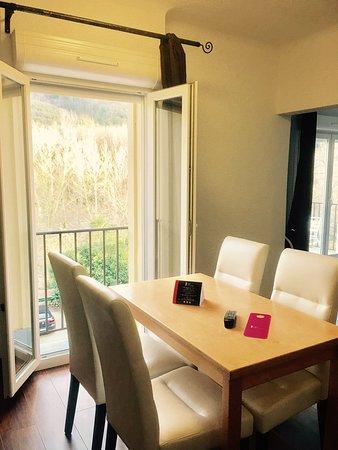 Amelie-les-Bains-Palalda, Frankrike: Appart 'Hotel Castel Émeraude 2017
