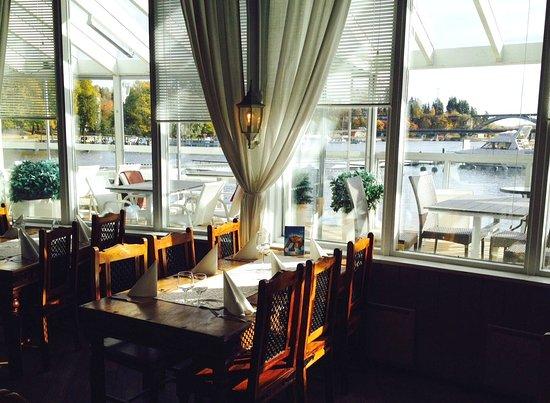 Heinola, Finland: ravintolasta näkymät rautatiesillalle
