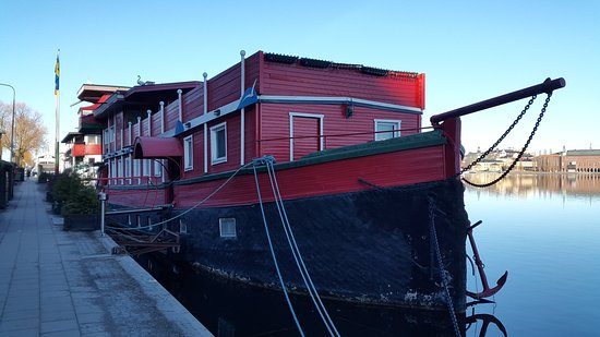 The Red Boat Hotel & Hostel: 20170319_082832_large.jpg