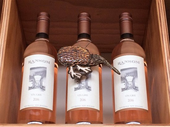 Warkworth, นิวซีแลนด์: A delicate dry rose, a favourite for a kiwi summer.