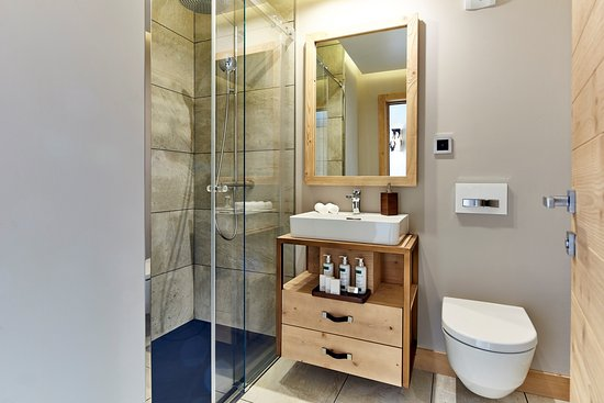 salle de bain suite nord sud picture of chandolin boutique hotel chandolin tripadvisor. Black Bedroom Furniture Sets. Home Design Ideas