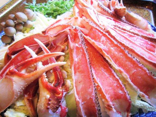Joyo, Japan: 鮮度の高い本ずわいがには色が鮮やかです。 サイズの大きさにもこだわる、京都城陽のかに専門飲食店【かに満】より