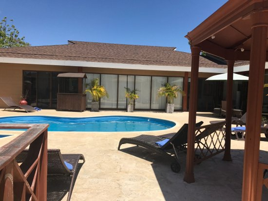 Nicoya, Costa Rica: Pool area - perfectly good for a dip