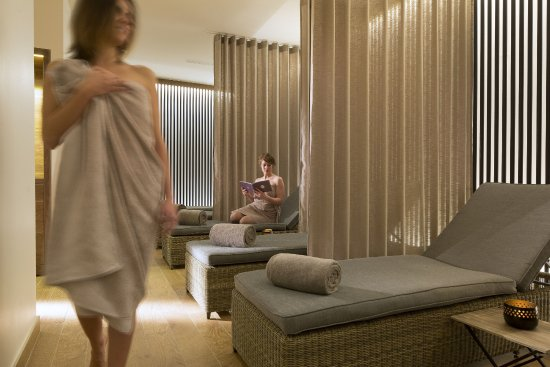 Tunnel a experience picture of spa la parenthese aix for Salle de relaxation