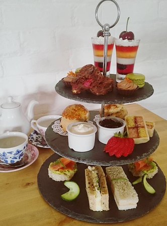 Woodbridge, UK: Our amazing Afternoon Tea!