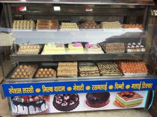 Jhansi, Ấn Độ: GdbnakrGFxi47H85osYzeKJ0HAC7gbqo6GOpXy5v1T07qLgY9Iqvdc3c08_22kyZS-C6S-8KzicI9S5sC2I4rMn_VipGY1PK