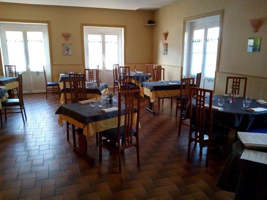 Livron-sur-Drome, France: Notre Salle de restaurant