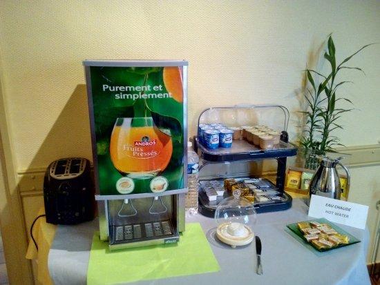 Livron-sur-Drome, France: Notre buffet Pour les Petits Déjeuners