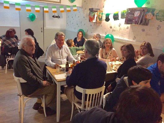 Руби, Испания: Llenos en saint Patrick's.
