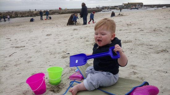 Lyme Regis, UK: Fun at the beach