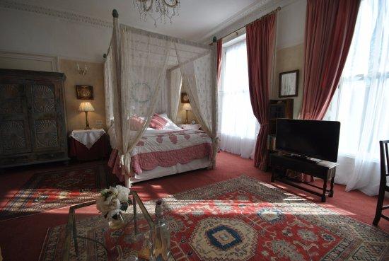 Churchill Guest House