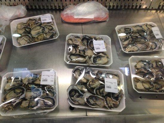 Auckland Region, Nowa Zelandia: oysters plates