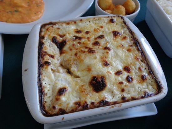Tejo culinária portuguesa: Bacalhau com Natas.