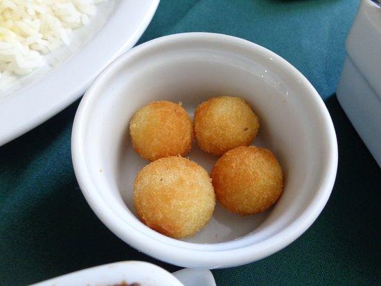 Tejo culinária portuguesa: Bolinhos de batata.