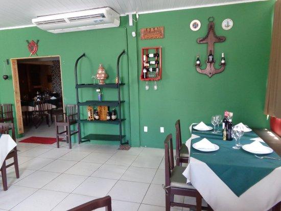 Tejo culinária portuguesa: Salão.