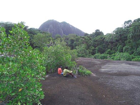 Sipaliwini District, Surinam: De gidsen aan het uitrusten