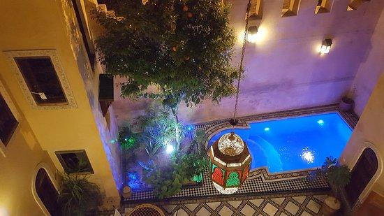 Riad Layalina Fez: Binnenplaats riad