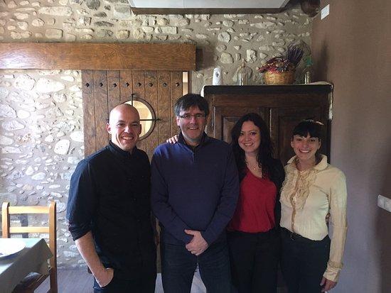 Restaurant La Garrotxa: Amb el President Carles Puigdemont i la seva dona!! Un plaer!