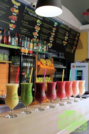 Wake Up Juice Bar: Not so easy chois :)