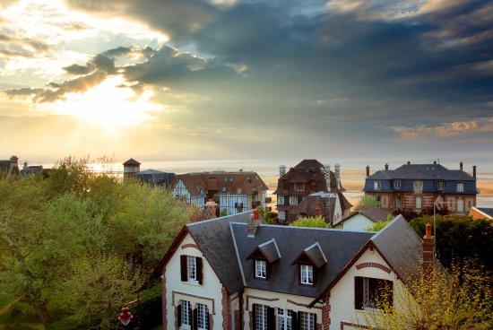 Houlgate, Frankrike: vue depuis duo mer ou suite cosy balnéo