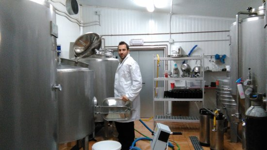 Caravaca de la Cruz, España: Elaboramos 7 tipos de exquisita Cerveza ArteSana