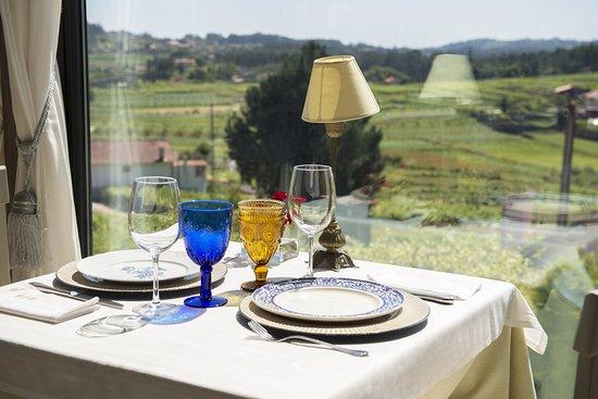 Meano, Espagne : RESTAURANTE CON VISTAS