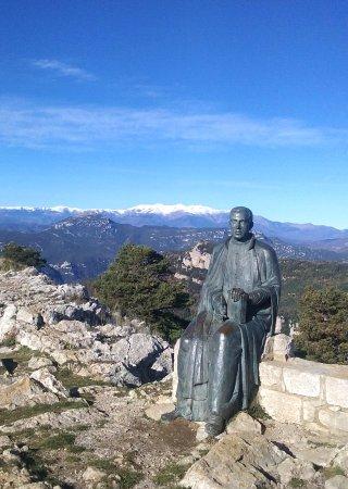Beuda, Spanien: parte trasera del Santuario Monasterio
