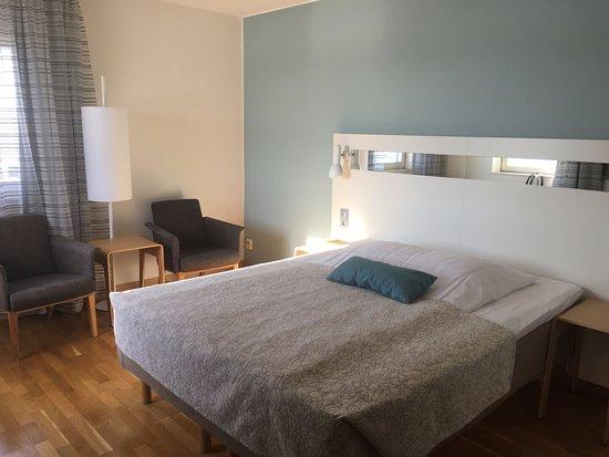Умео, Швеция: Corner room with lots of sunshine