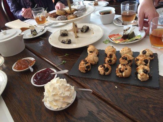 Beneden-Leeuwen, The Netherlands: High tea
