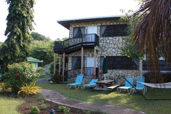 Lance Aux Epines Cottages: The apartment block